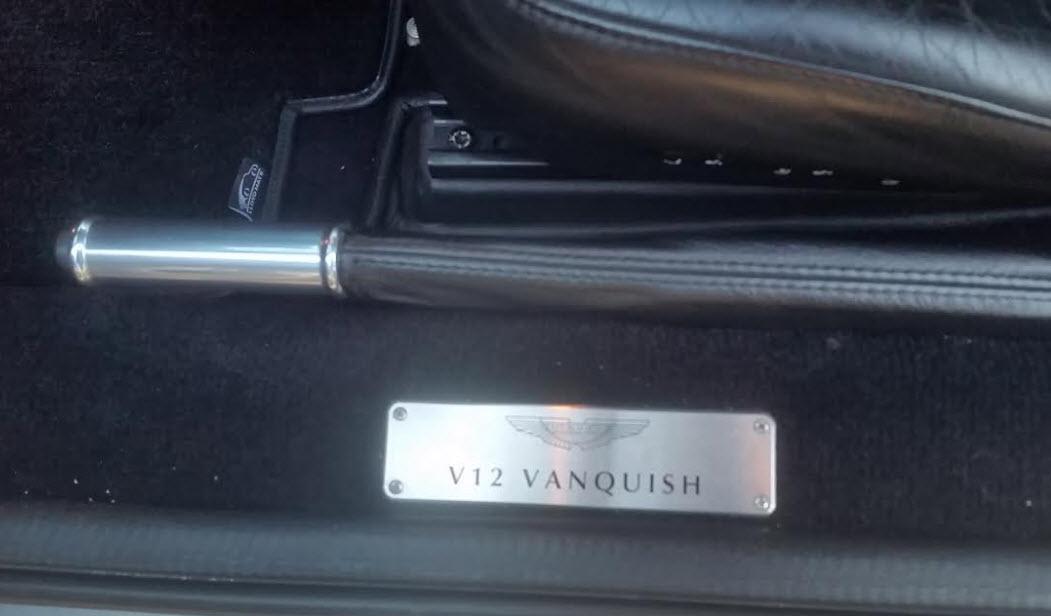 asto-martin-vanquish-v12-2003-8