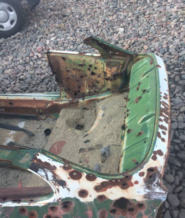 dirtyoldcars.com 1965 Porsche 356 Basket Case Found in Phoenix 2