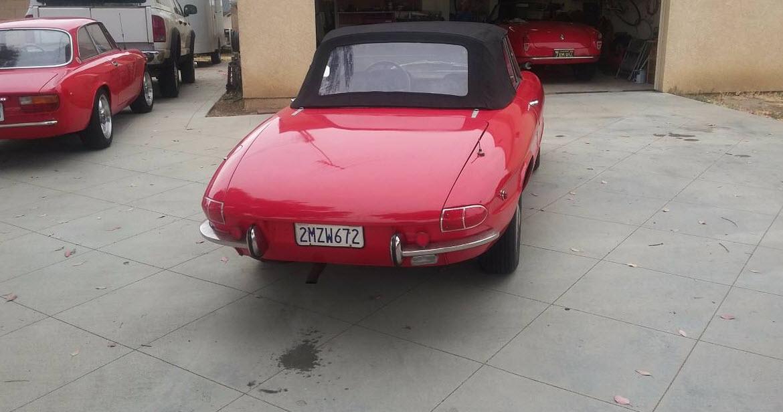 dirtyoldcars.com 1969 Alfa Romeo Duetto Found in Lomita California 7