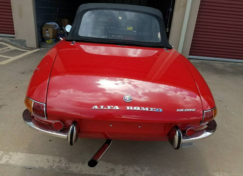dirtyoldcars.com 1969 Alfa Romeo Boat Tail Spider Found in Los Angeles California 8