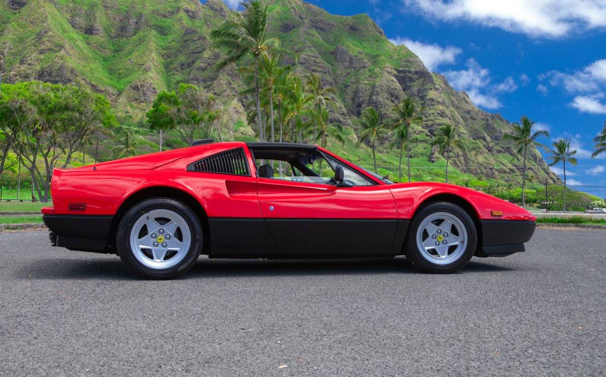 dirtyoldcars.com 1985 Ferrari 328 GTS Found in Kahaluu Hawaii 10