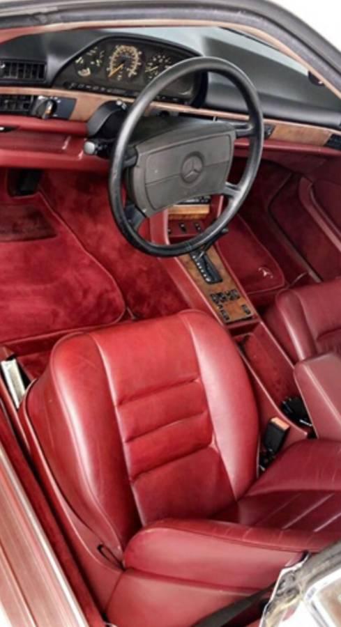 dirtyoldcars.com  mercedes 1987 560SEC  blue drug dealer mafia  car atlanta Georgia  8
