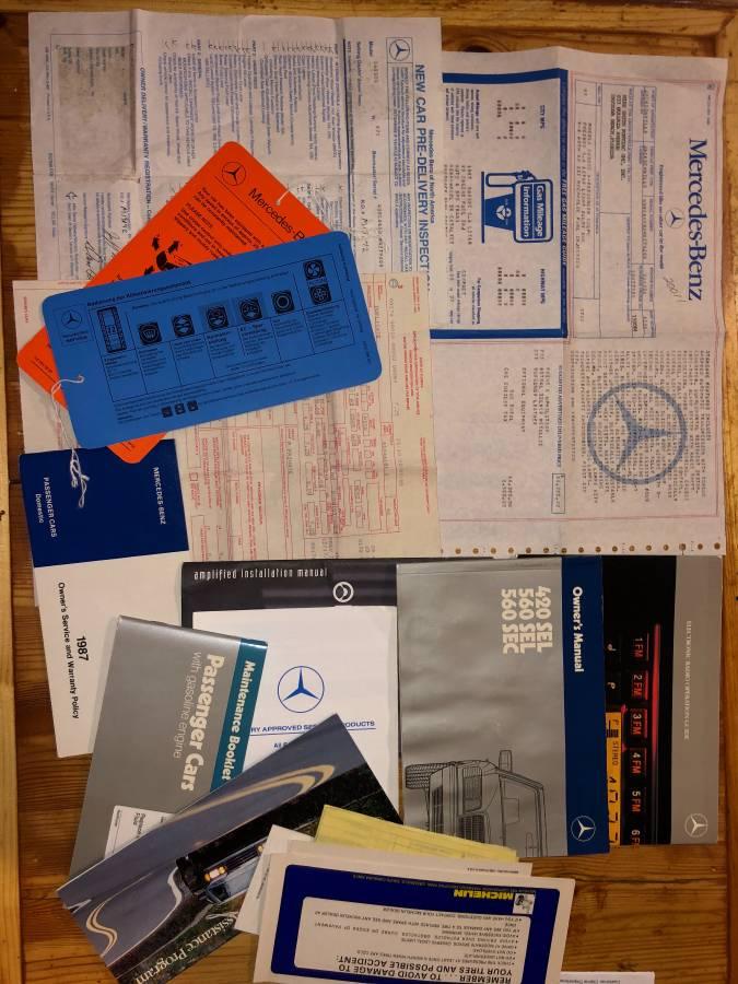 dirtyoldcars.com  mercedes 1987 560SEC  blue drug dealer mafia  car atlanta Georgia  4